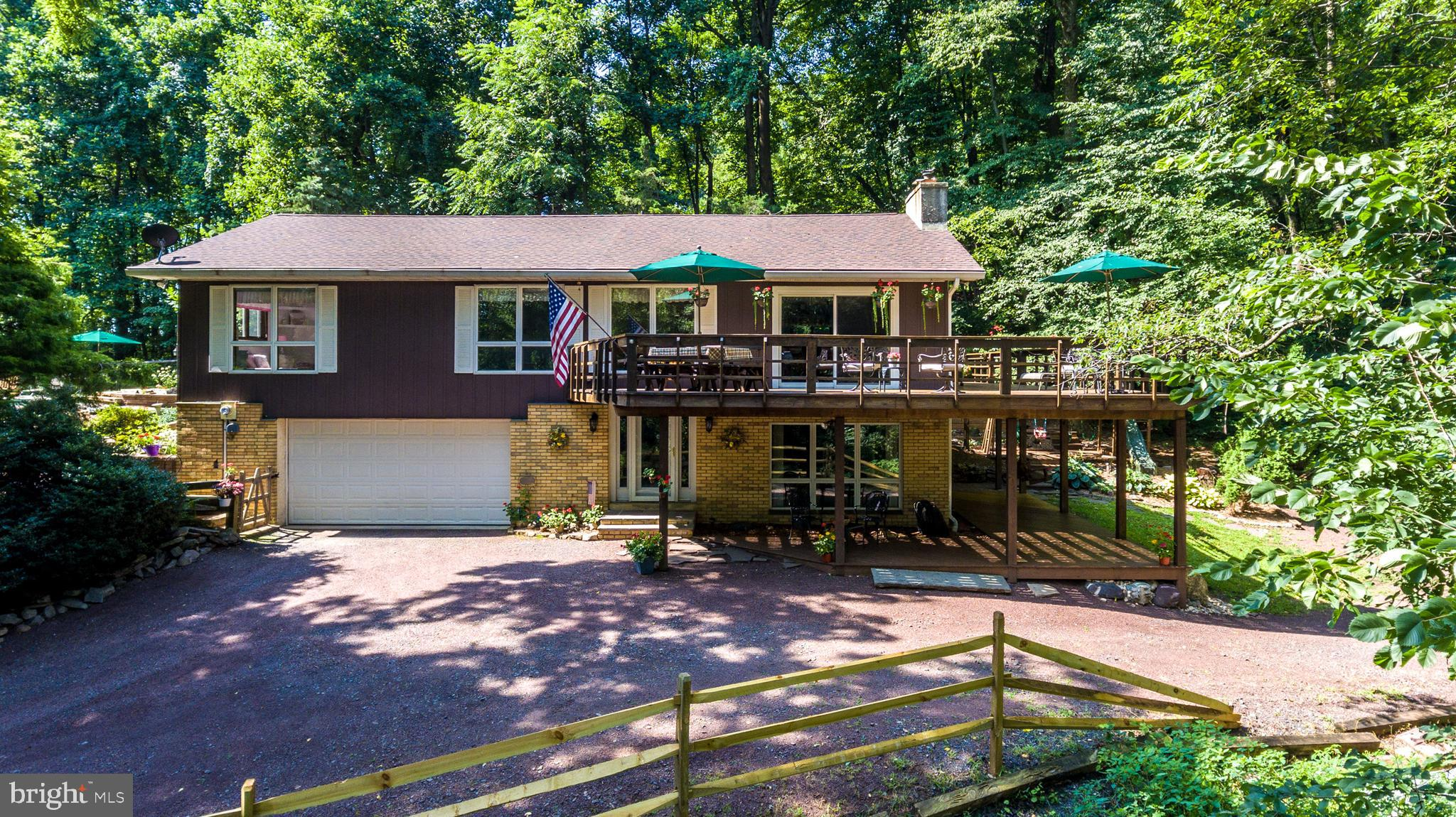 2220 GALLOWS HILL ROAD, KINTNERSVILLE, PA 18930