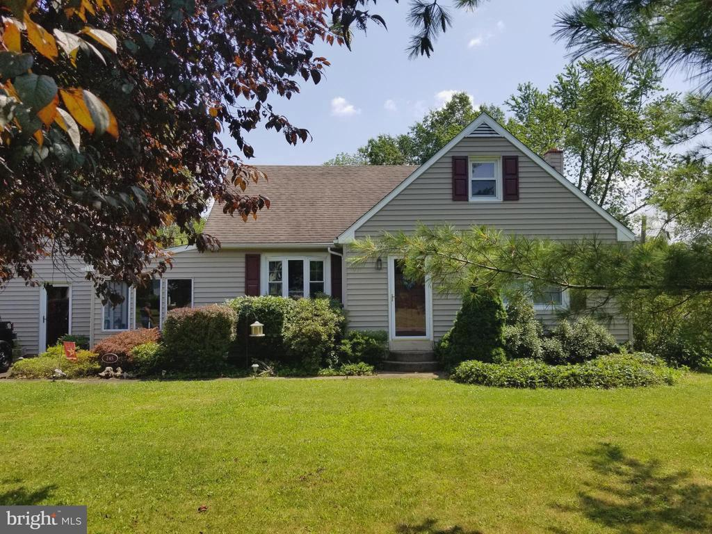 Cape Cod Homes For Sale In Quakertown, PA