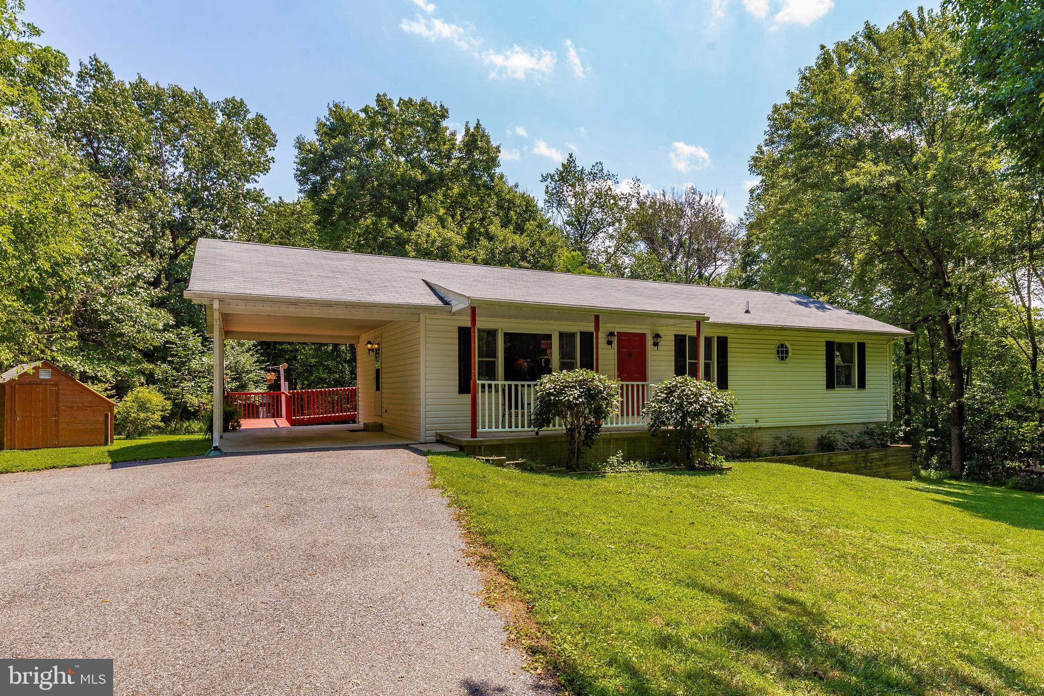 3819 S MOUNTAIN ROAD, KNOXVILLE, MD 21758