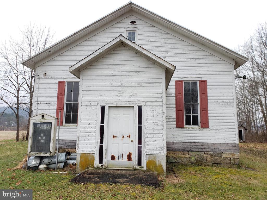1031 Nipple Road, Mount Pleasant Mills, PA 17853