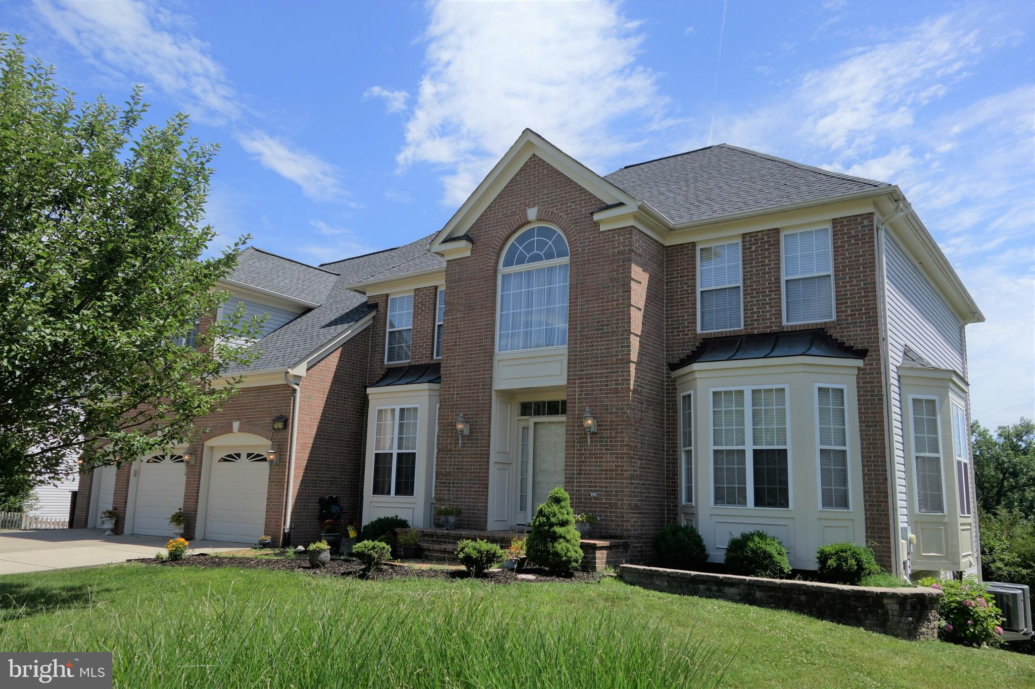 20147 5 Bedroom Home For Sale