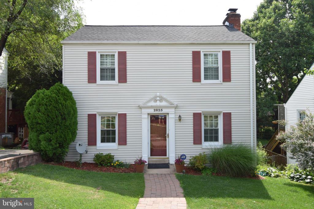 2825  GREENWAY BOULEVARD, Falls Church, Virginia