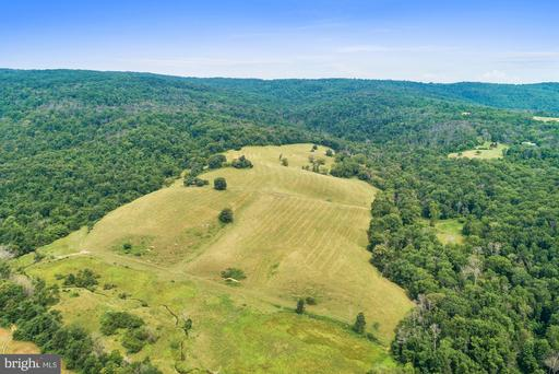 Property for sale at 1669 Winchester Rd, Delaplane,  Virginia 20144
