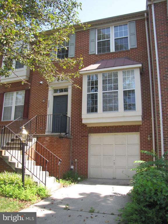 2002 Madrillon Springs Ct