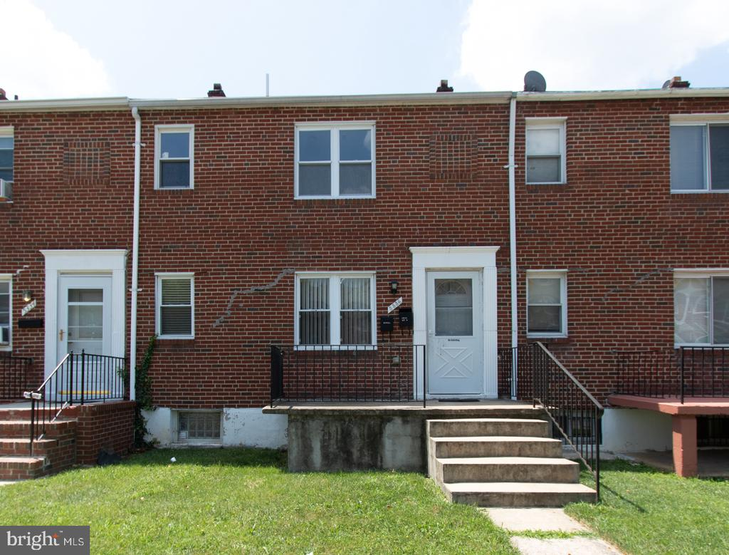 "Auction to be held on the premises and online simulcast Tuesday, August 27th @ 12:00pm. Rental Ready Brick Duplex in the ""Arlington"" Neighborhood of Baltimore City. Rental Ready & Updated Brick Duplex in the ""Arlington"" Neighborhood of Baltimore City.  Units are separately metered.  Unit 1: 2 bedroom, 1 bath apartment located on the first floor and partially finished lower level with walk-out. Unit 2: 2 bedroom, 1 bath apartment located on the second floor. Features central AC, updated windows, recessed lighting, detached shed and mucn more!"