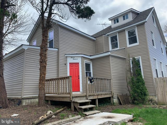 """Price reduction.. Property sold completely """" AS-IS"""" -  5 bedrooms, over 2600 SQFT. PROPERTY NEEDS WORK!! price reflects condition -  owner has completed some of the Reno. Come in and finish to your taste. CASH OR REHAB LOAN! ( Instant equity) .."""