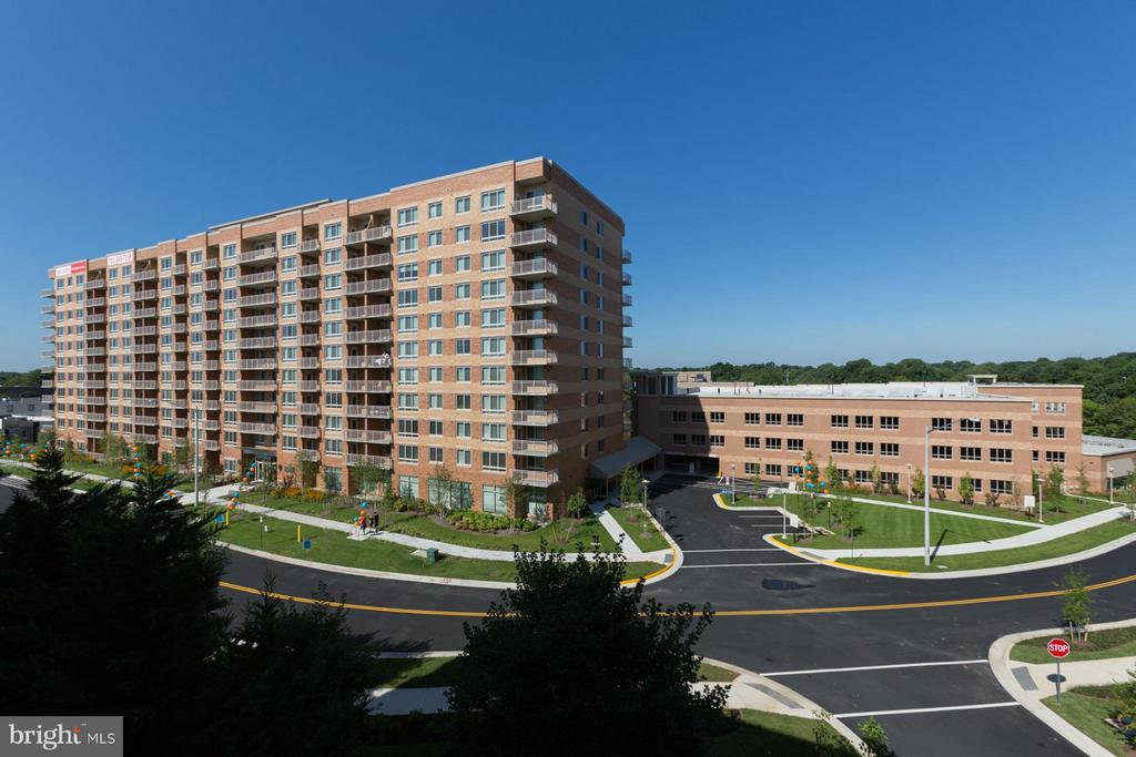 2700 Dorr Avenue Ave N #002/02, Fairfax, VA 22031
