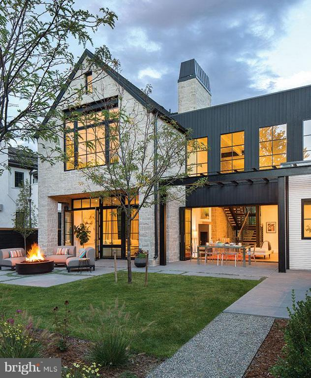 Customize your own modern farmhouse on one of the last available lots in Worthington Green. Courtyard style shape. Light abounds. Clean lined and earthy. Natural materials. Photos are for inspiration. Builder tie-in with Powers Home. A true lifestyle house with a focus on indoor/outdoor connections. Are you ready to change your environment in 2019?