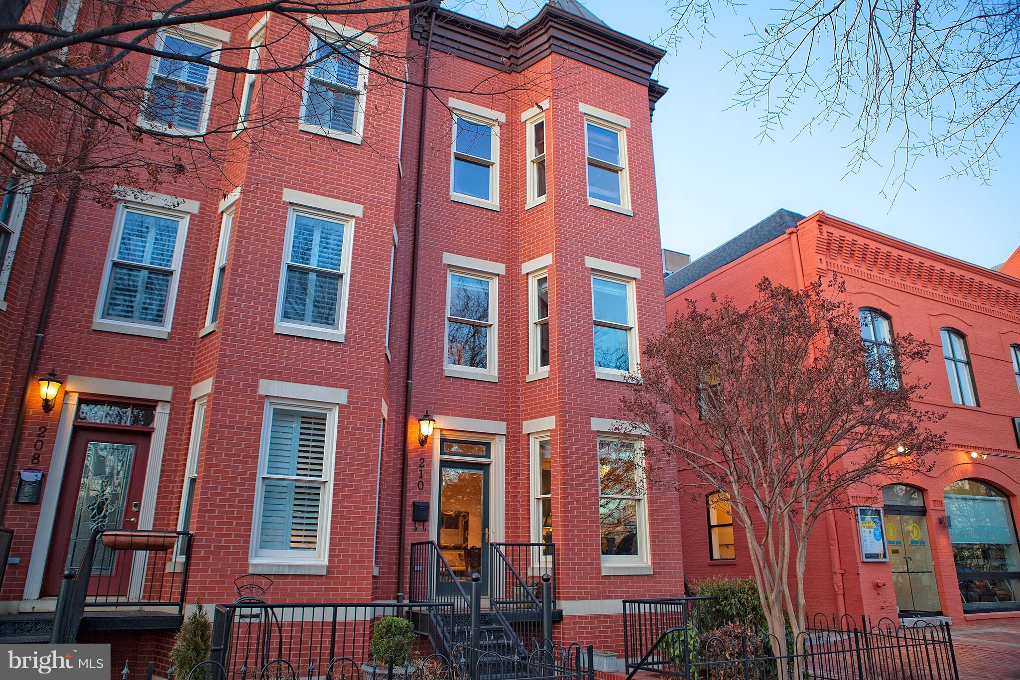 210 D STREET SE, WASHINGTON, DC 20003