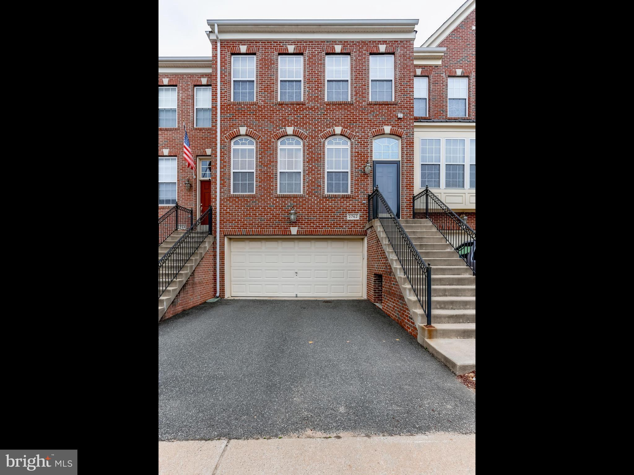 Beautiful Maintained 3 level Brick Front Townhome. This home features 3 Bedrooms with 3.5 baths. Bright kitchen with fireplace, hardwood floors and granite counters. Spacious dinning room with coffer ceiling. Master with walk-in closet and master bath. 2 car garage.  Amenities includes gym, outdoor and indoor pool, basketball court, tennis court and kids playground. Club house include movie room.