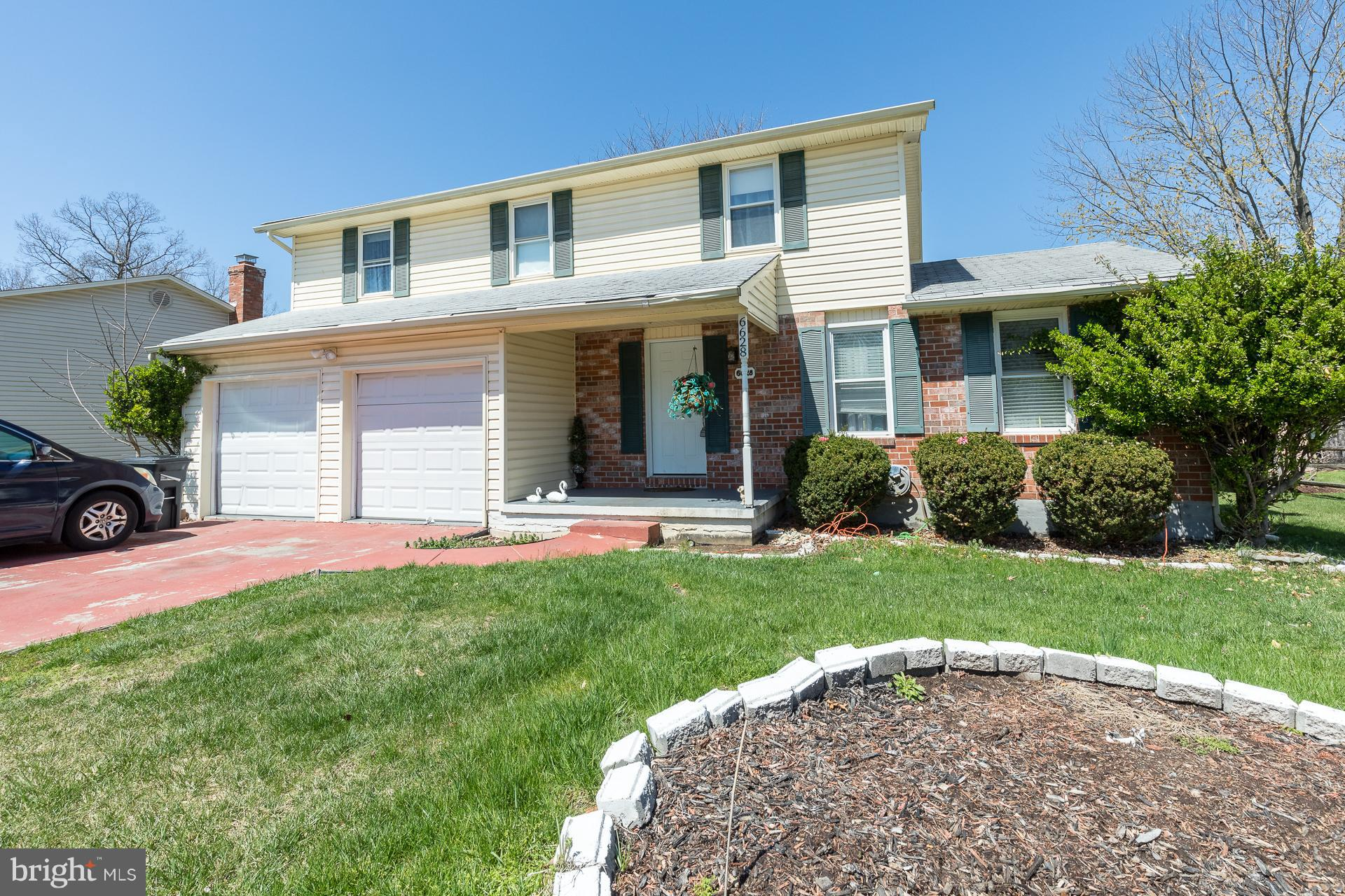 ***SHORT SALE APPROVED AT LISTED PRICE**** Great area. Close to schools, shopping, entertainment, Historic Ellicott City. Just two minutes to Rt. 695.
