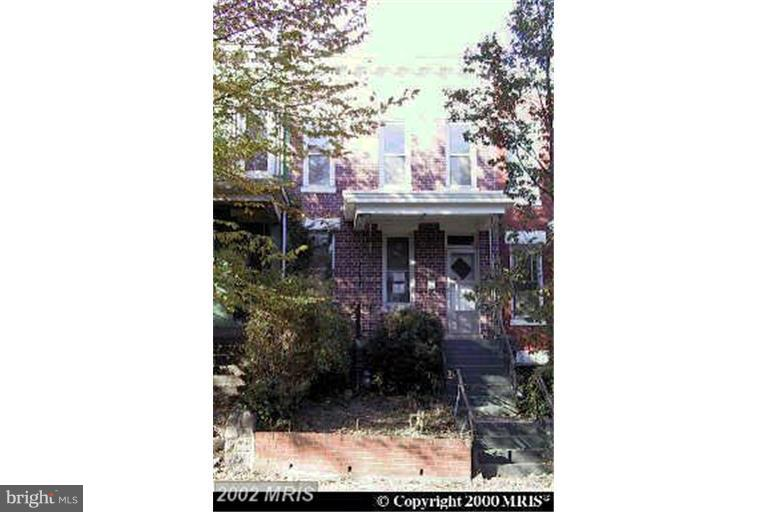 """SHORT SALE OPPORTUNITY... Currently being used as a Daycare.. Tenants will move Immediately...""""Immediate Possession""""."""