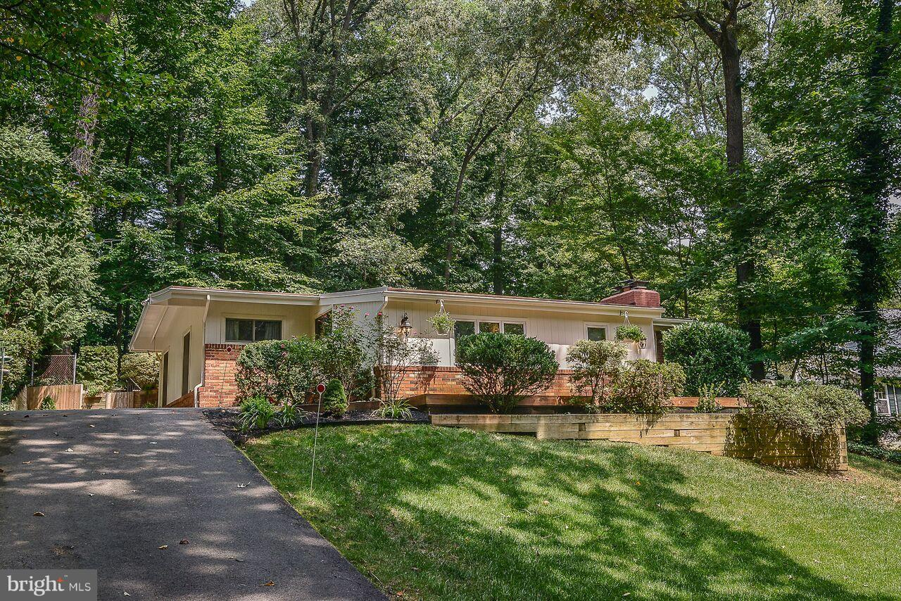 8252 Branch Road Annandale, VA 22003