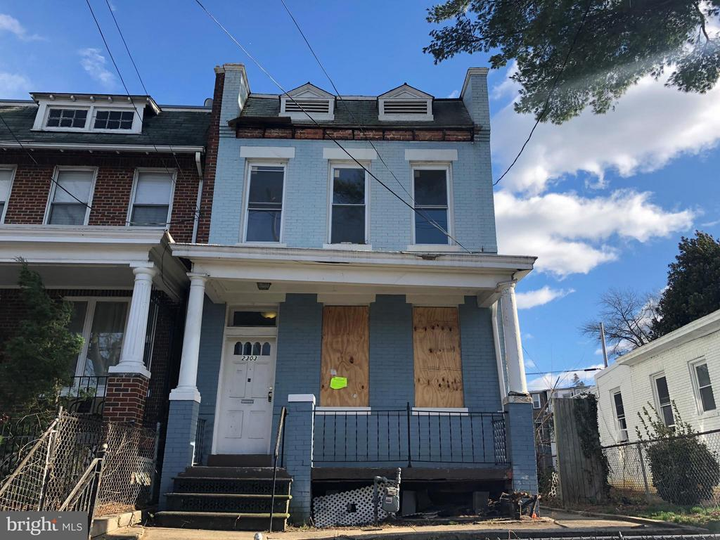 Super large semi-detached Federal on extra large lot. Calling all developers: existing structure has nearly 100% lot coverage. Home needs full rehab and is ripe for the seasoned investor. Non working systems. All offers required proof of cash funds to close. Property sold as-is-is.