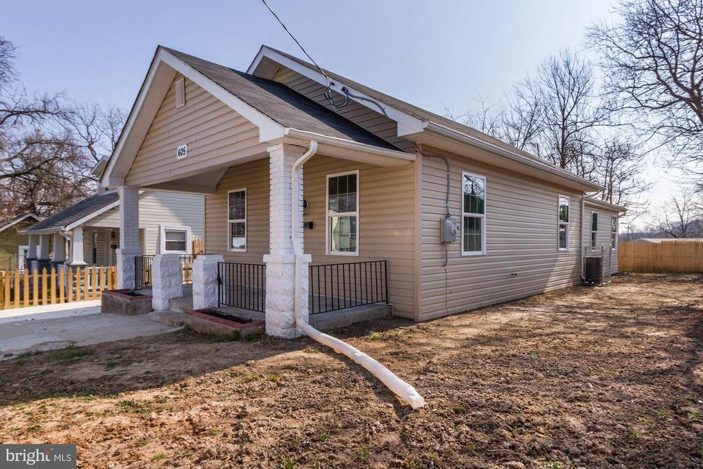 Completely renovated, plumbing, electrical, HVAC, roof, main water line, siding, etc. Open concept, 3 bedrooms and 2 bathrooms. stainless steel appliances, granite countertops, electric fireplaces, nice flat yard, partially fenced. Large master bedroom with en-suit bathroom and walk-in closet.
