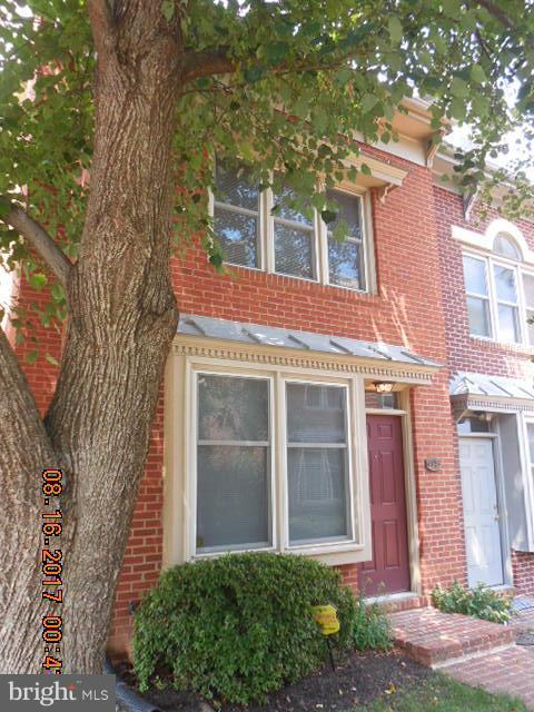 ONE MONTH FREE RENT! Beautiful ALL BRICK END unit townhouse in wildly convenient COLECROFT. 3BR/2BA/4 levels. Just REFINISHED wood floors. UpGRADED kitchen. HUGE basement. Full size washer/dryer. Fenced rear deck. 1 assigned parking + TONS on street. Pets CBC size age weight # restricted w/$100 monthly fee (1st year only). Cert funds required. Min Inc to qual = $111,600. Really nice!