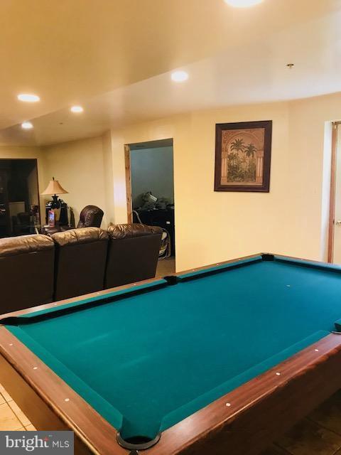 DOUBLETREE LANE Springdale MD MLS RE - Springdale pool table