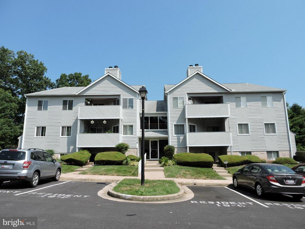 Available July 30  Beautiful 2 BR, 2 Full Bath Condo in Satyr Green!  Open Floor Plan, Freshly Painted, Recent Neutral Cpt, Updtd Kit w/ Stainless Steel Appli & Bkfst Room, LR/DR combo w/ WBFP, SGD to Rear Deck backs to Woods, Lg MBR w/ Two Closets, Washer & Dryer in unit, 1 Car Assigned Park plus ample Guest Parking, Owner pays condo fee inc/ water & sewer, tenant pays electric. Apply @ LNF online, $55 per adult.  NO PETS PLEASE