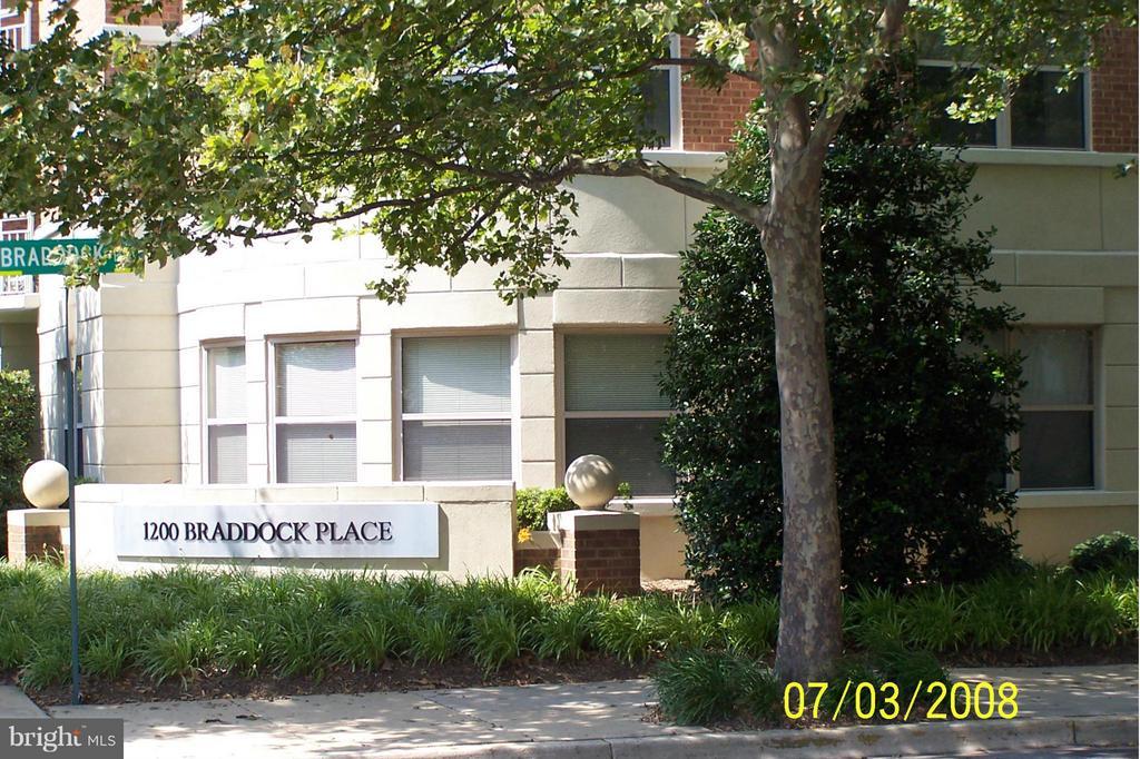 1200 Braddock Pl #504
