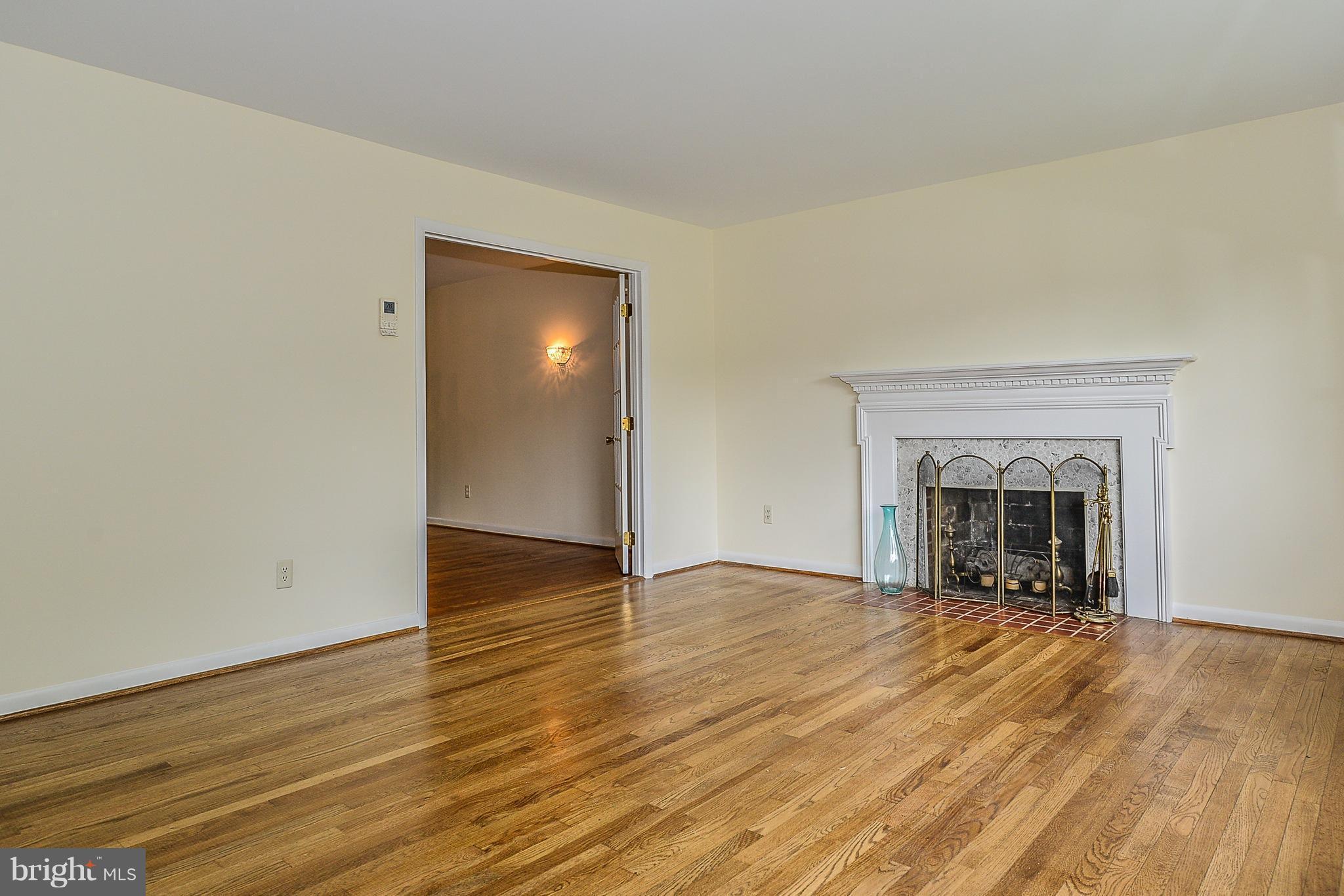 OLD CREEK DRIVE Fairfax VA SOLD LISTING MLS - Dbm hardwood flooring