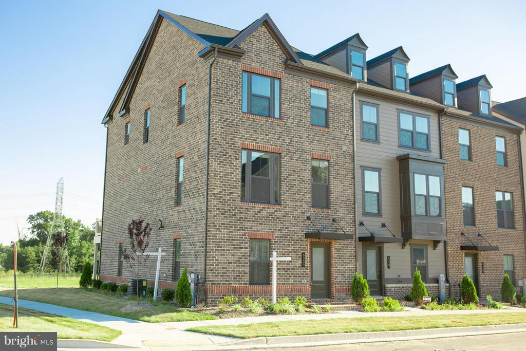 3 Bedroom/ 2.5 Bath, 2017 built luxury townhouse with open floor plan & 2 car garage. Home features hardwood floors throughout, spacious master bedroom with tray ceilings and walk-in closet. Gourmet open concept kitchen w/ SS appliances, granite countertops leads to a spacious raised deck overlooking a mature trees. Greenleigh community offers: outdoor pool, biking trails, fitness center w/ sep. Yoga/cycle studio, dog park, playground, pool, clubhouse and more!