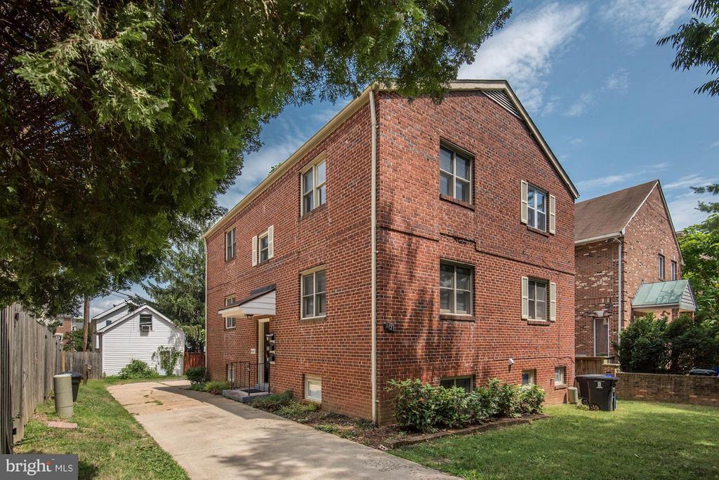 1121 Taylor St N #A, Arlington, VA 22201