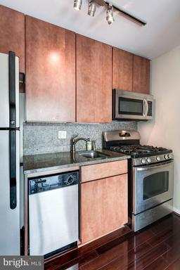 1301 Arlington Ridge Rd #504