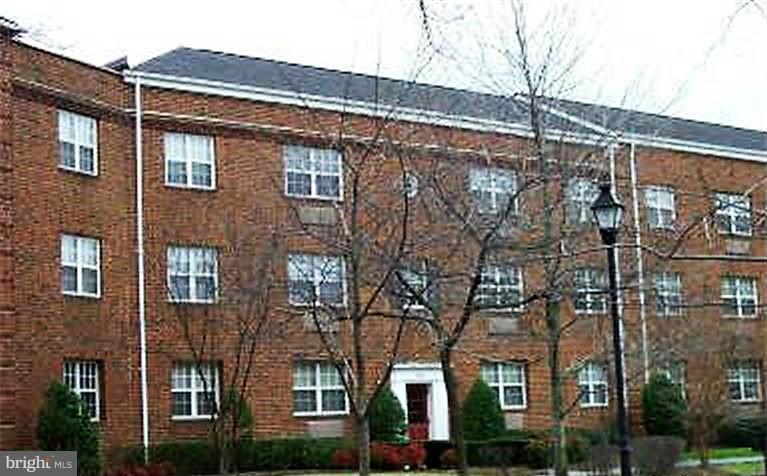 1622 Abingdon Dr W #301, Alexandria, VA 22314