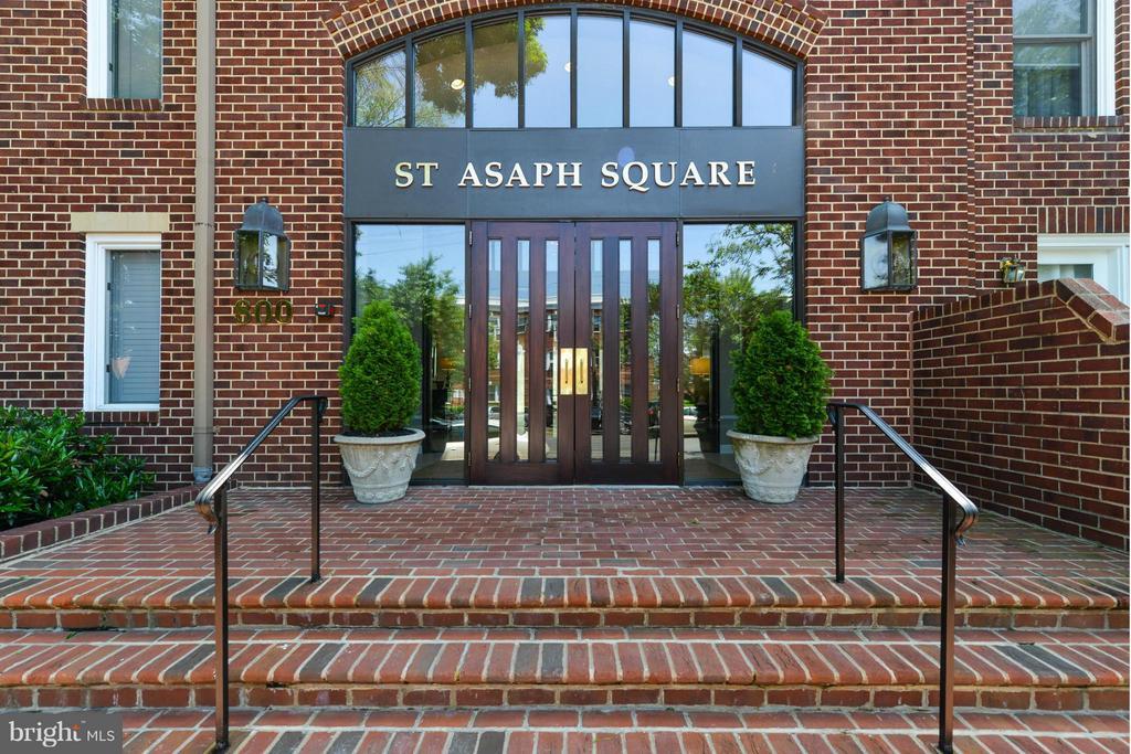 Photo of 800 S Saint Asaph St S #403