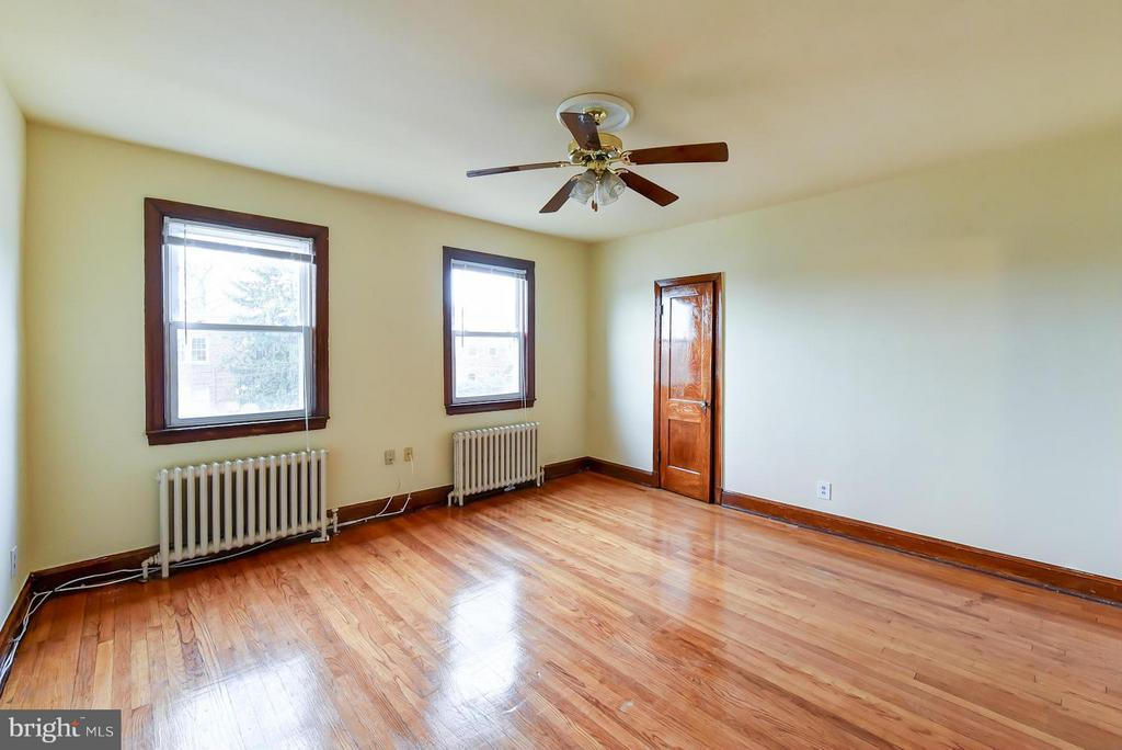 Spacious 1Br/1Ba in Brookland! This spacious unit includes a private three season room, lots of natural light and historical details throughout. Just steps to Brookland Metro, Brookland Pint, CUA, Busboys and Poets and Yes Organic Market.