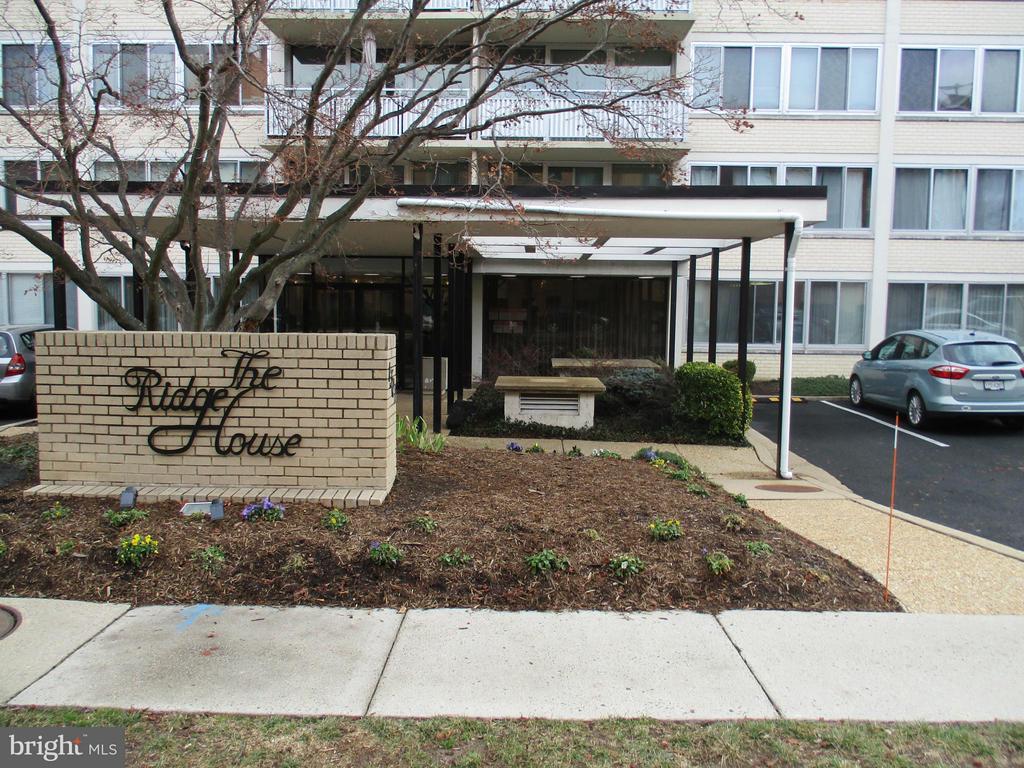 1301 Arlington Ridge Rd #507