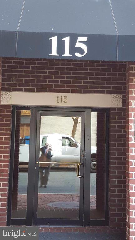 115 Lee St N #Bh403