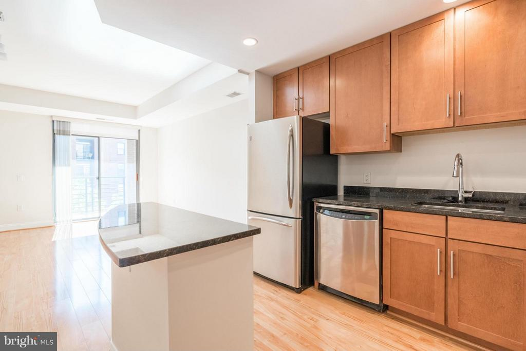 Photo of 525 Fayette St N #420