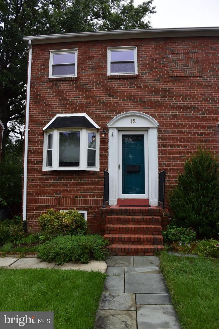 12 Myrtle Street Alexandria, VA 22301