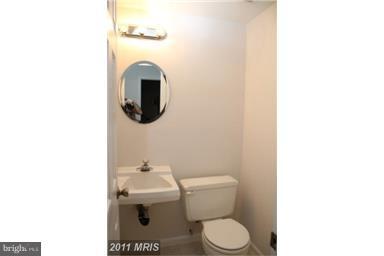 10472 White Granite Ct, Oakton 22124