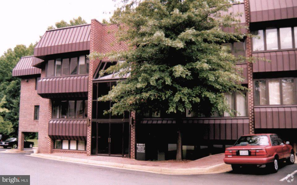 8300 ARLINGTON BOULEVARD, FAIRFAX, Virginia 22031, ,Commercial Lease,For Rent,ARLINGTON,1,VAFX1119756