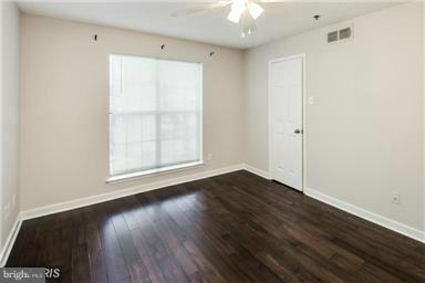 Photo of 1524 Lincoln Way #225