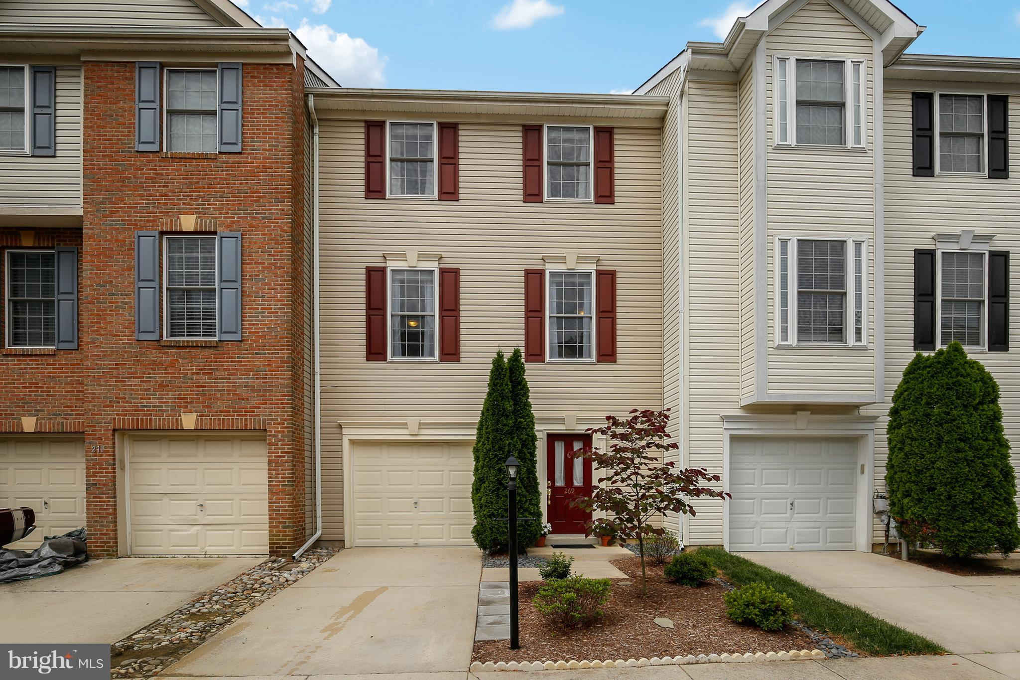 PRICE REDUCED!!  Don't miss this move in ready River Oaks Townhome.  Superb condition Open floor plan. 9ft ceilings. Upgraded kitchen.  Large master bedroom. Hardwood floors. Deck & Patio. Garage. Great finishing touches. Just south of Annapolis,  easy commutes-DC, Baltimore and Ft Meade. THIS IS A MUST SEE HOME!!