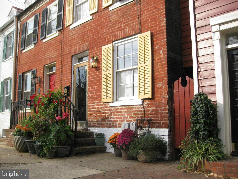 304 Alfred Street   - Alexandria City, Virginia 22314