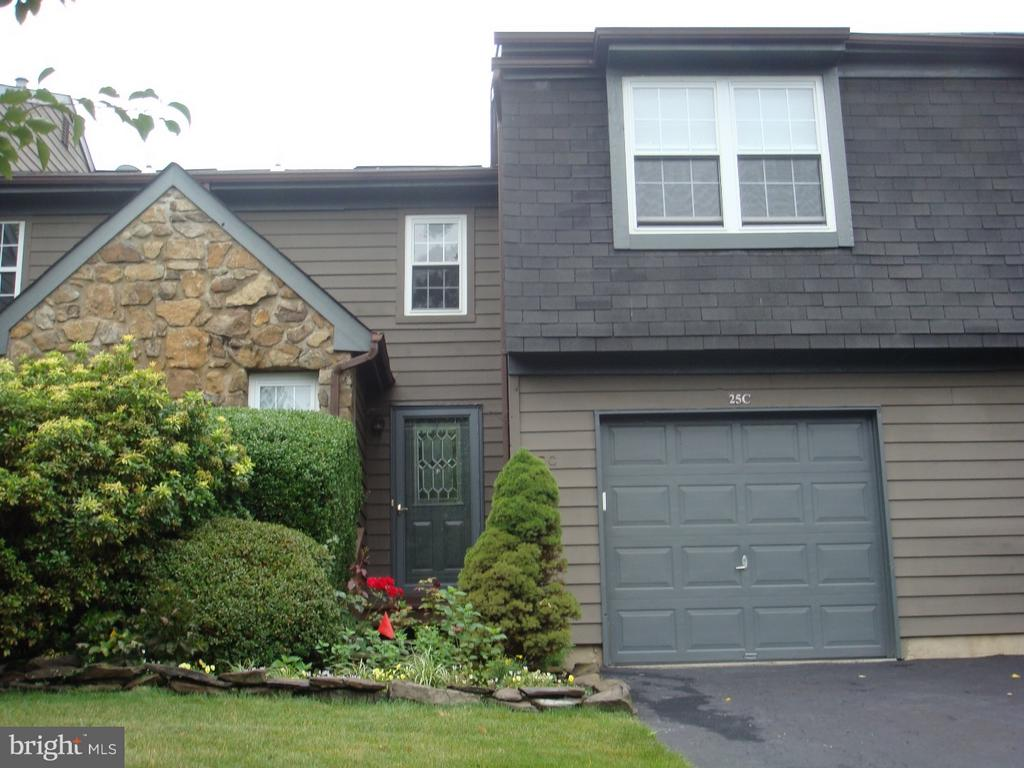 25C Chestnut Court, Princeton, NJ 08540