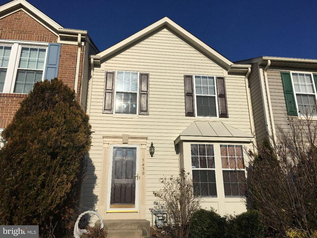 Luxury 3BR /2FB/ 1HB -Townhome -Beautifully Maintained-Newly Carpeted and Painted-. New Granite Counter Tops-Plenty of Storage- Walk In Closet-Master Bedroom-Fully Finished Lower Level W/Full Bath-Open Floor Plan W/ French Doors to Deck and Fenced Yard - Minutes to White Marsh, Commuter Routes, Hospital and Schools