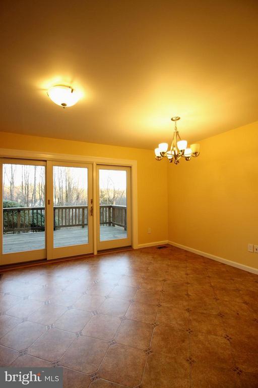 1503 Gingerwood Ct, Vienna, VA 22182