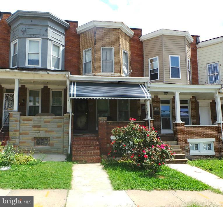 A great opportunity to own this brick rowhome in Easterwood.  Enjoy nice room sizes, separate dining room and kitchen. Use the basement for added storage or finish off for additional space.  Just minutes from Downtown Baltimore!