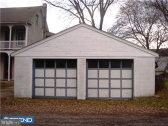 3155 MAIN STREET GARAGE, SPRINGTOWN, PA 18081