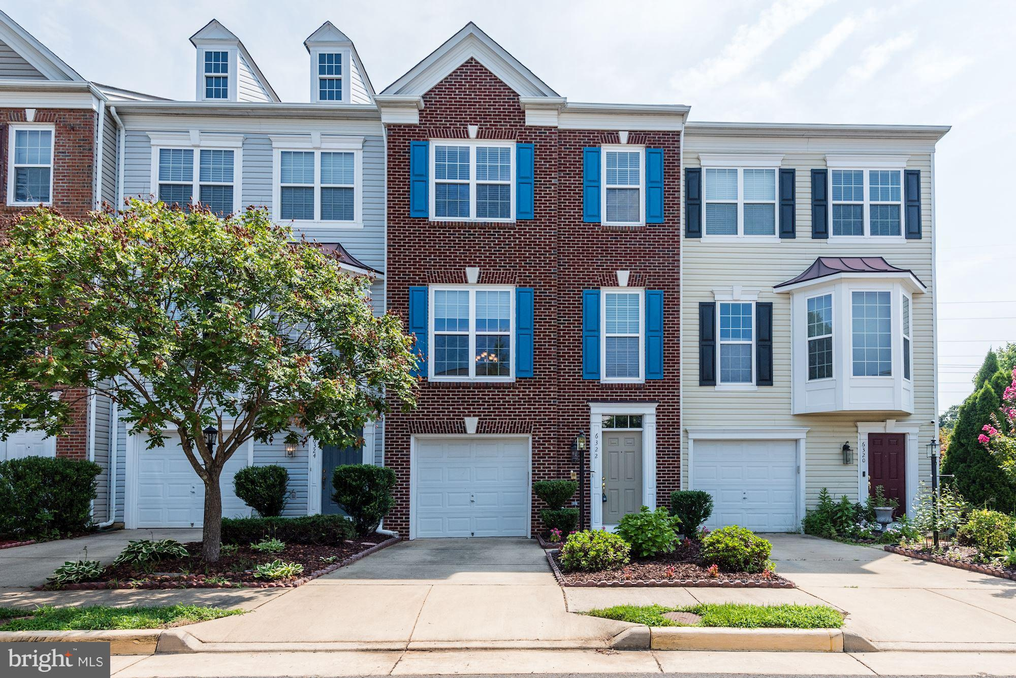 New Listing! - Spacious & beautiful 3 bed/3.5 bath townhouse is perfectly situated near both Springfield Metro (6 min) & vibrant Kingstowne (9 min); the first floor has an attached 1-car garage a rec room, the 1st bedroom, a private entrance via the patio & a full bath - making is a good option for an au pair/in law sutie, etc; the Master Suite is expansive & you will love the attached nook & bath