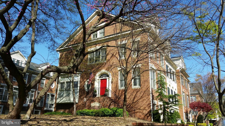1632 Colonial Hills Mclean VA 22102