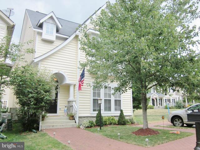Beautifully Maintained 3BR 3.5BA Home In Lorton Town Ctr! Stunning Kit W/Granite C-Tops, Cherry Cabs, & Stainless Steel Appliances! Mbr W/Huge Walk-In Closet! Front Loading Washer/Dryer! Hrdwds On Main Lvl! Fam Rm W/Gas Fpl! Workout Rm W/Cushioned Floor! Rec Rm, Util Rm & Office In Lwr Lvl! 2-Car Gar! Owc Pet W/Dep! No Smoking! Close To Vre, I-95, Rt 1, Ft Belvoir, Shops & Food!