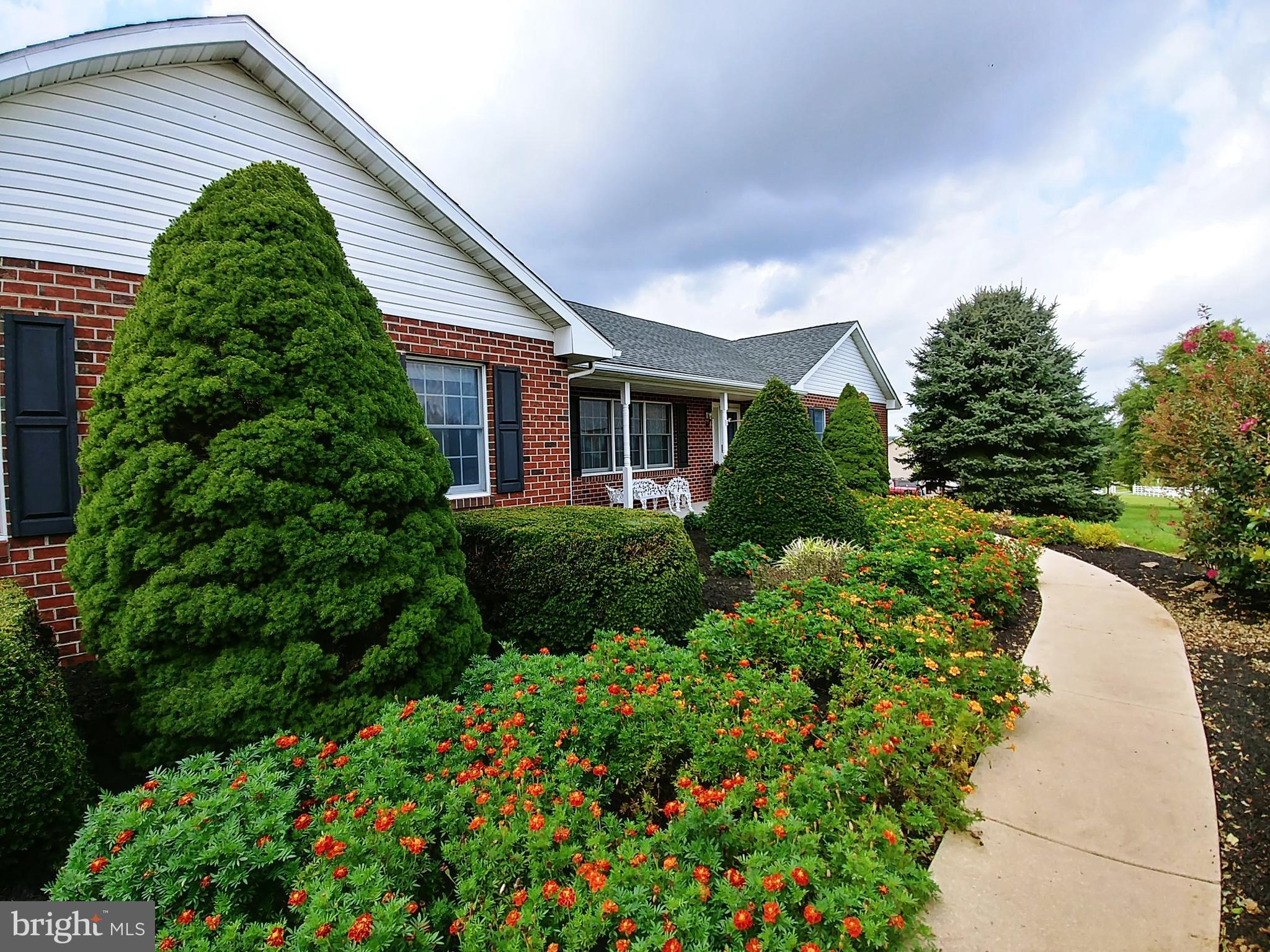 446 THRONE ROAD, FAWN GROVE, PA 17321