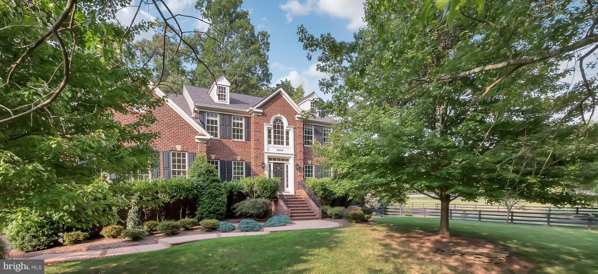 Spectacular living with a countryside feel on the exterior and luxurious on the interior that will impress you at every corner. 5000sft on 1 ac.. Super layout with 4 Br+ 4.5 Bth incl Den, Family Room w/FP off Gourmet Kitchen. Beautiful Cherry Maple Cabinetry w/Upgraded Appliances & Center Island. Breakfast Area overlooking grounds. Must See Top Floor BR's incl Master Suite w/Tray Ceilings &Sitting