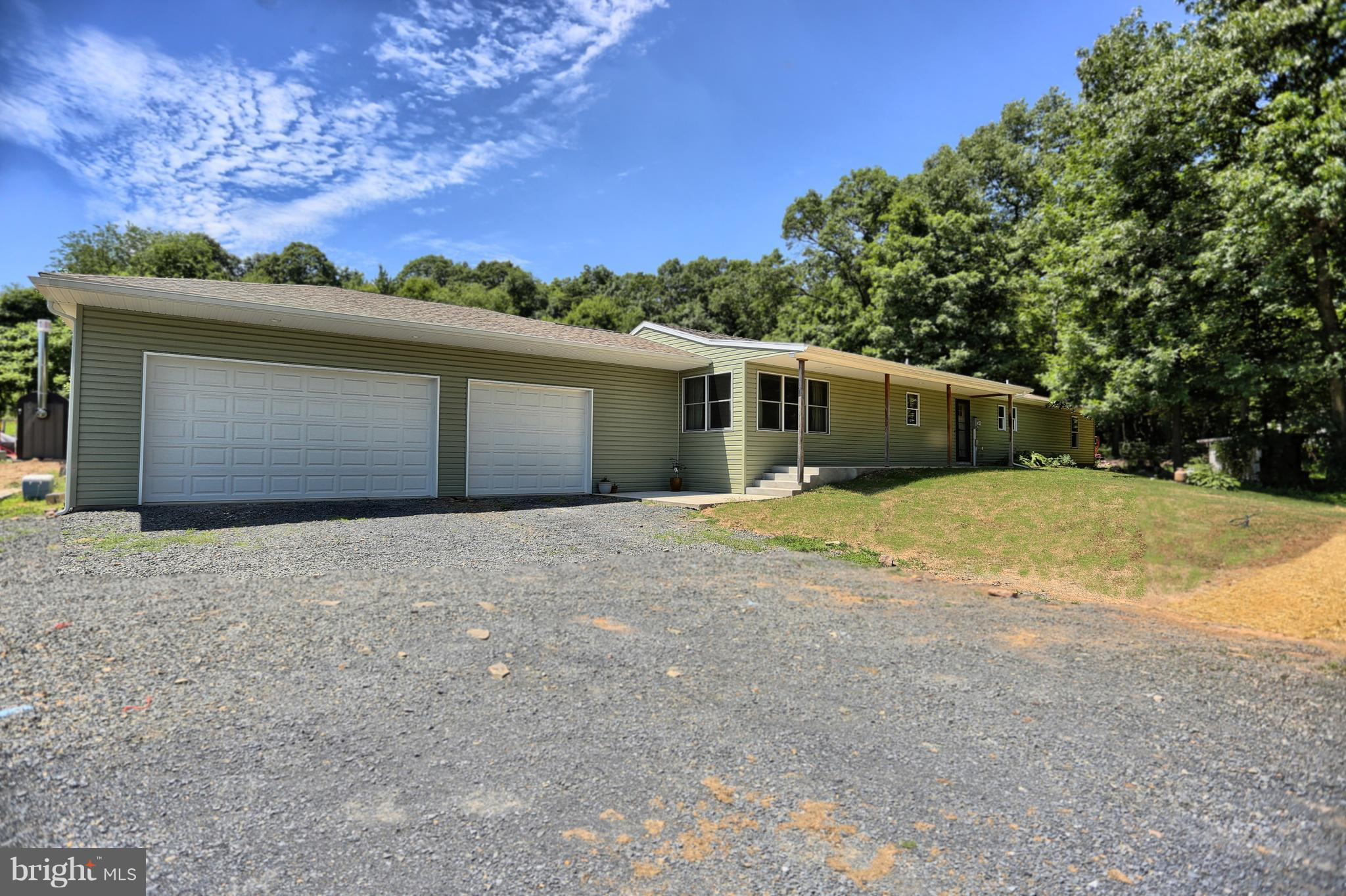 782 HUCKLEBERRY ROAD, NEW BLOOMFIELD, PA 17068